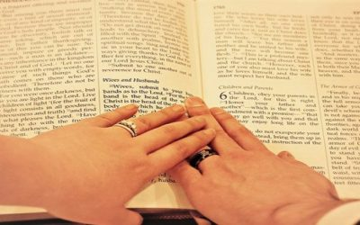 A Guide To Writing Your Own Wedding Vows: What Should You Include?